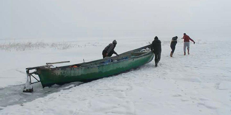 """Beyşehir Gölü'nde balıkçılar avlanmaya """"paydos"""" dedi"""