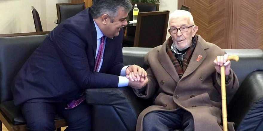 90 yaşındaki Kore Gazisinden Başkan Özgüven'e ziyaret