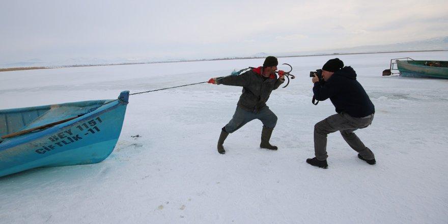Donan Beyşehir Gölü kıyılarına fotoğraf tutkunları akın etti
