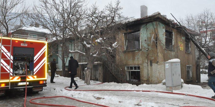 Akşehir'de ev yangını