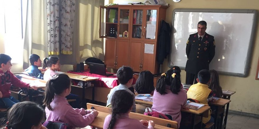 Selçuklu İlçe Jandarma'dan okul ziyareti