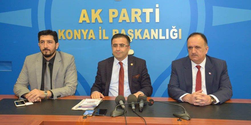 AK Parti'li Ünal: Bir direksiyonda iki şoför olmaz