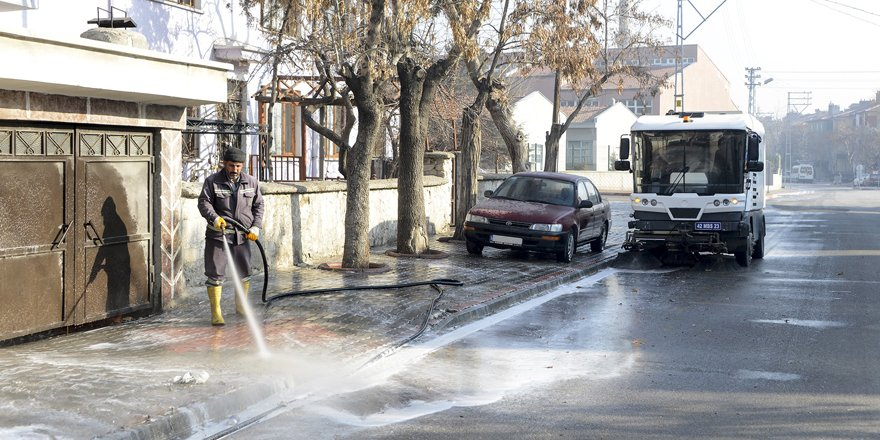 Meram'da bahar temizliği