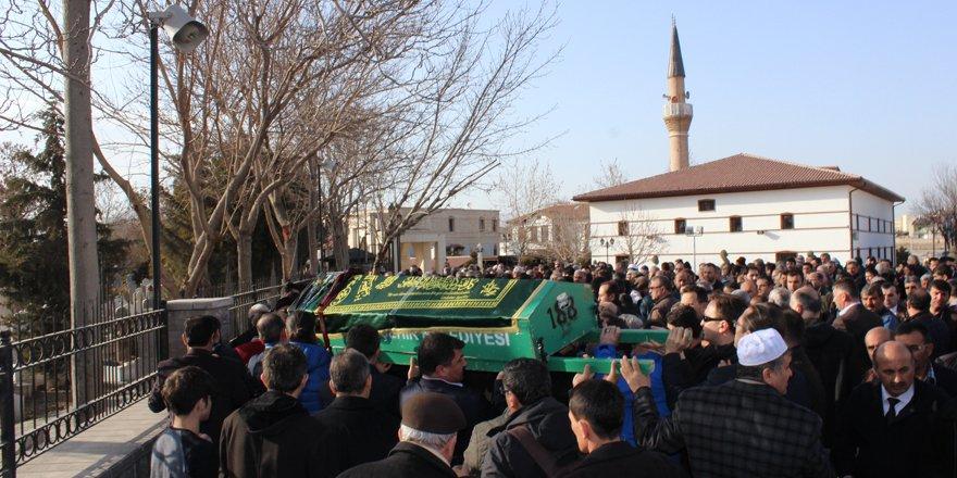 Mustafa Akgöl'ün annesi vefat etti