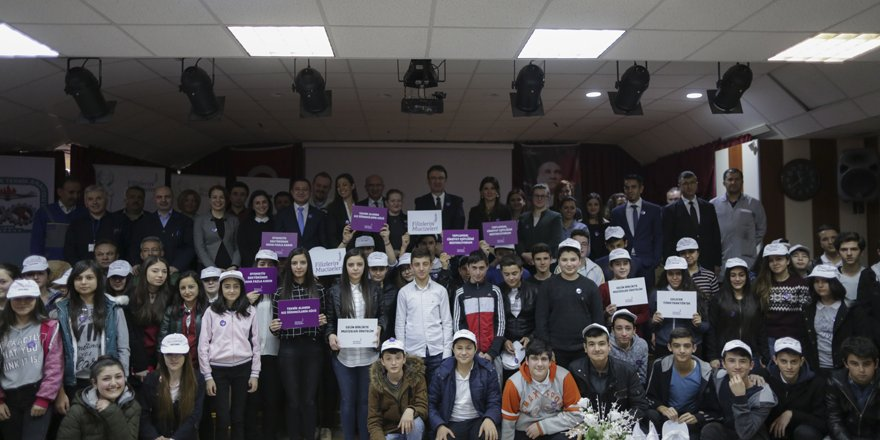 TürkTraktör'den eğitime destek