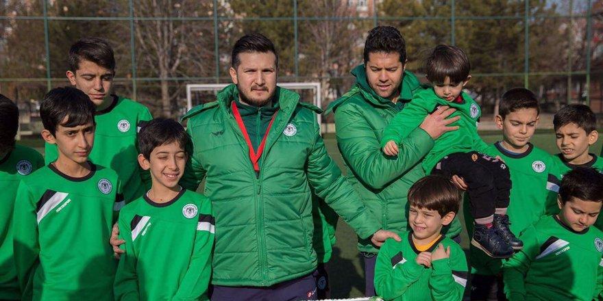Futbol okulu örnek oluyor
