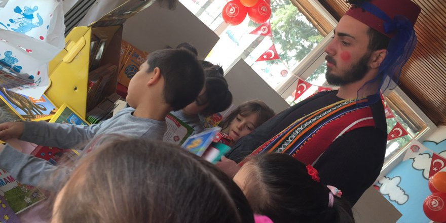 Anaokulu öğrencileri mini kitap fuarı açtı