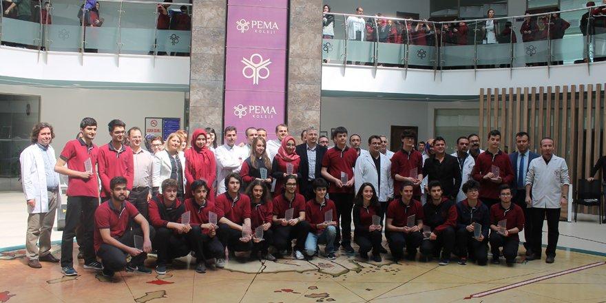 PEMA başarılı öğrencilerini ödüllendirdi