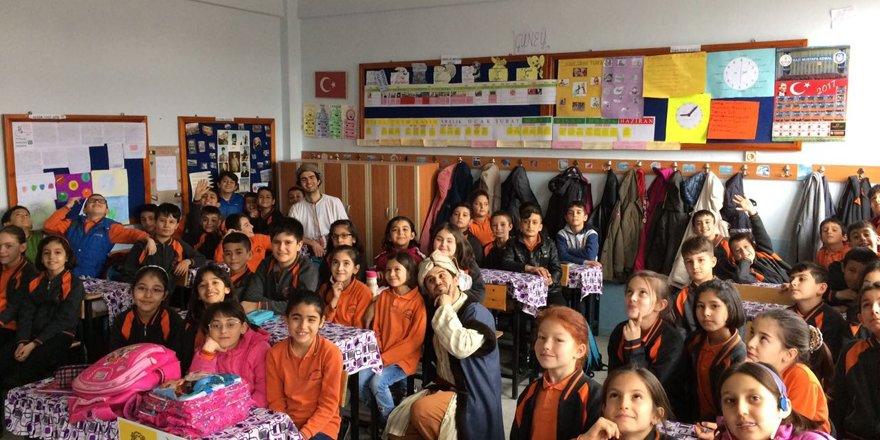 Seydişehir'de 'Tevazu' konulu tiyatro oyunu sergilendi