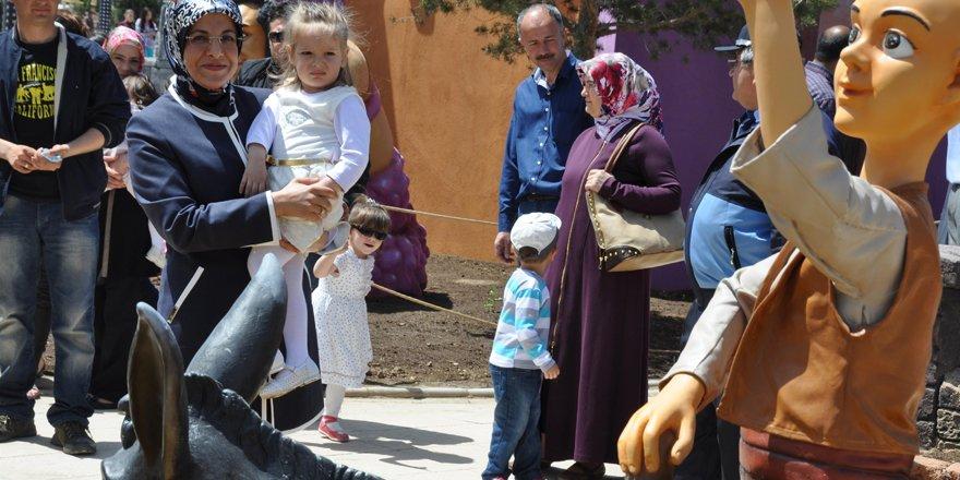 80 Binde Devri Alem Parkı 23 Nisan'da ücretsiz