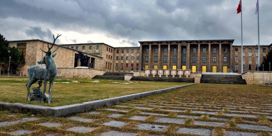 İsmail Kahraman yeni Meclis binası istiyor