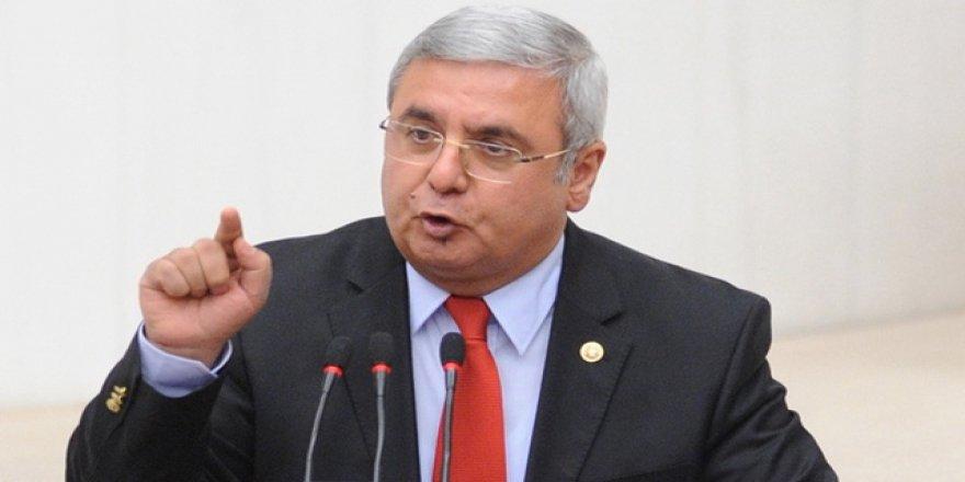 Mehmet Metiner'den partisi AKP'ye şaşırtan uyarı