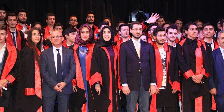 Selçuk Üniversitesi'nde mezuniyet sevinci