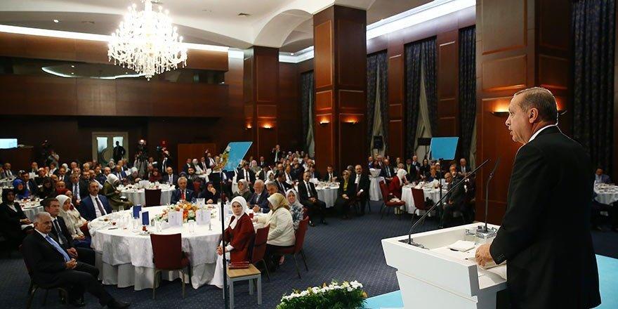 Erdoğan: Yönetimleri yenilemek zorundayız