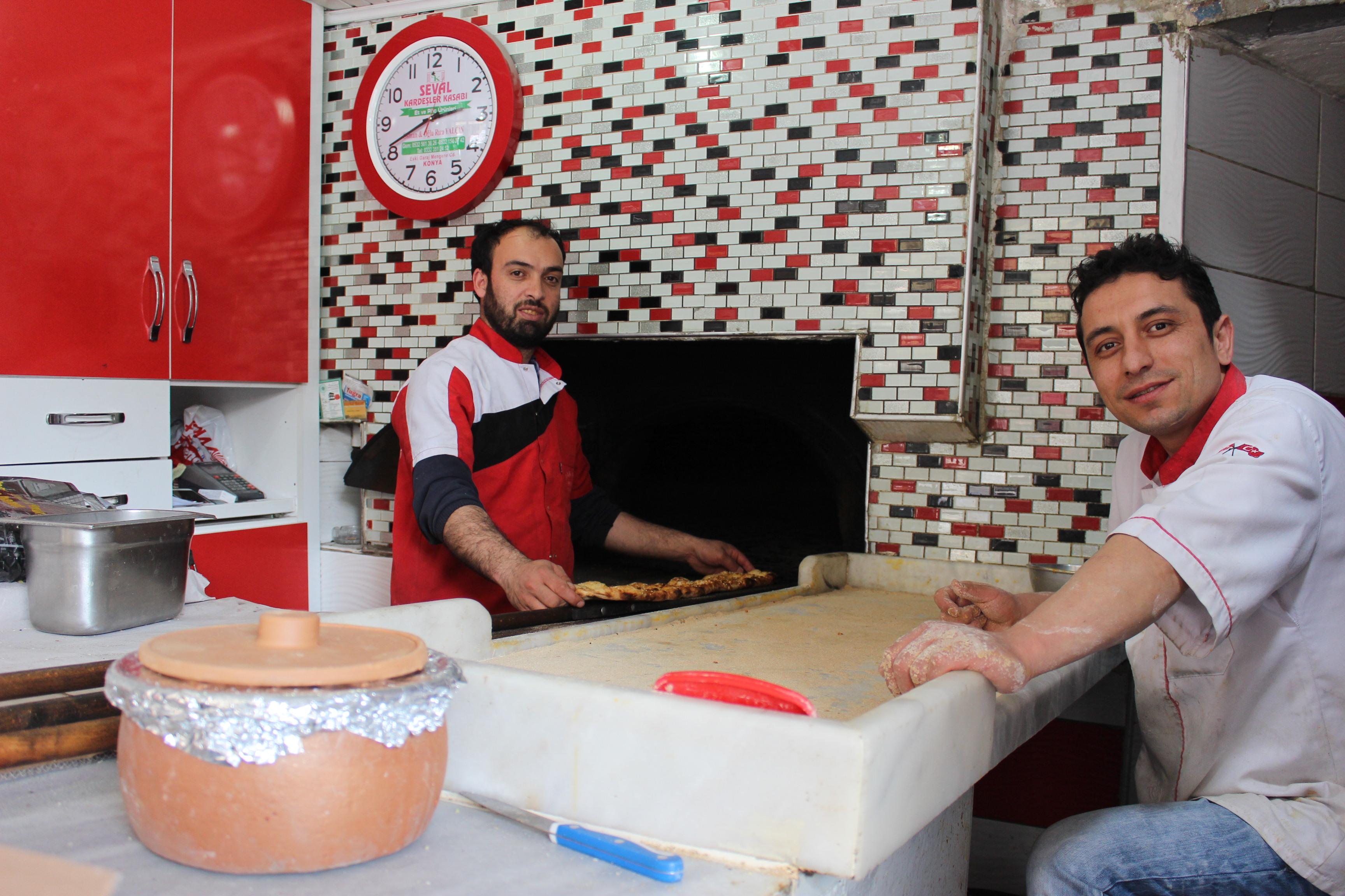 İşçilerin zorlu Ramazan mesaisi
