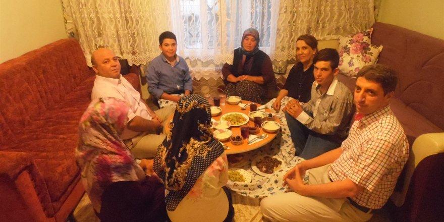 Kaymakam Karaca Vatandaşın evine konuk oldu