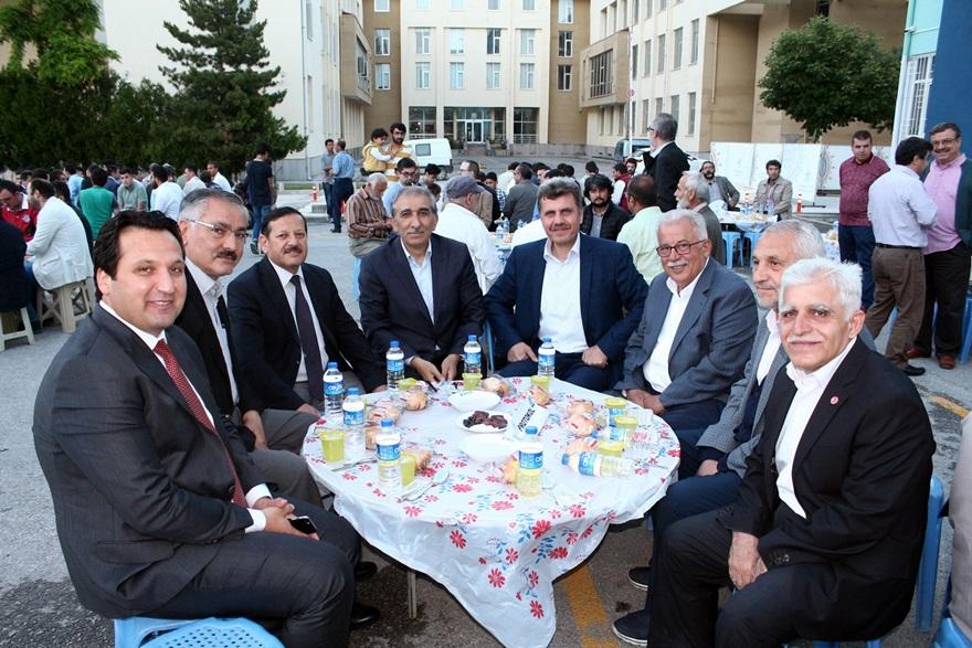 Türk Anadolu Vakfı geleneksel iftarı gerçekleştirildi