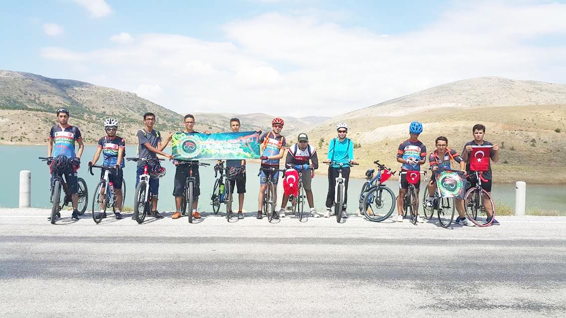 Bisikletçiler Şehitler  için pedal çevirecek