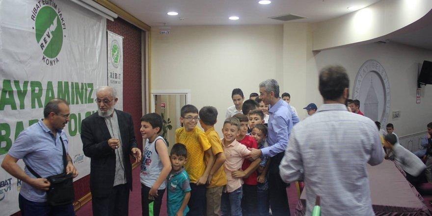 Ribat Eğitim Vakfı ailesi bayramlaştı