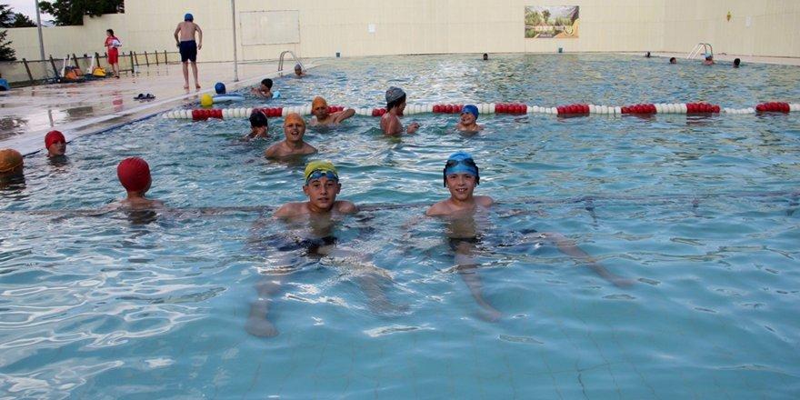 Seydişehir'de jeotermal yüzme havuzu açıldı