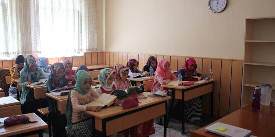 RİBAT yaz okulları eğitime başladı