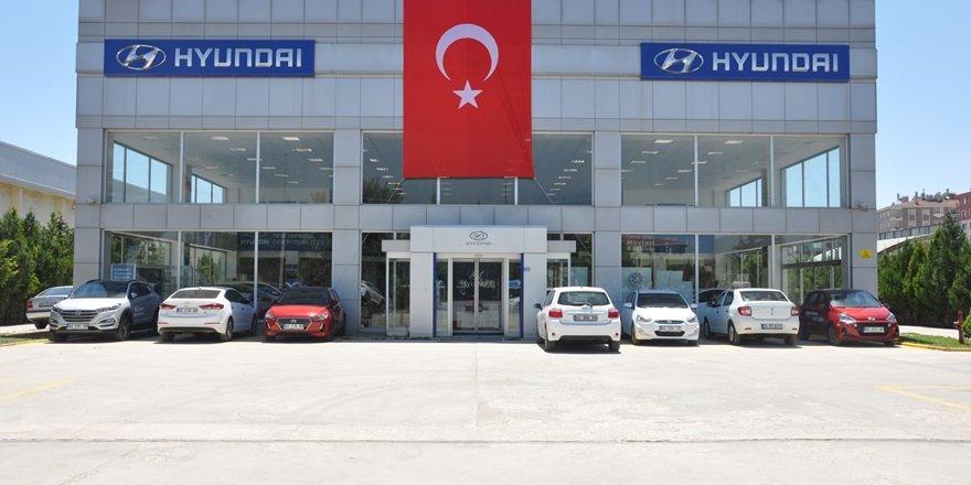 Hyundai İrent'ten Türk bayrağı hediyesi