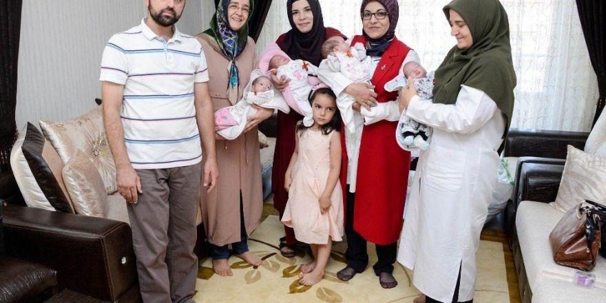 Başkan Toru, dördüz bebek sevincine ortak oldu