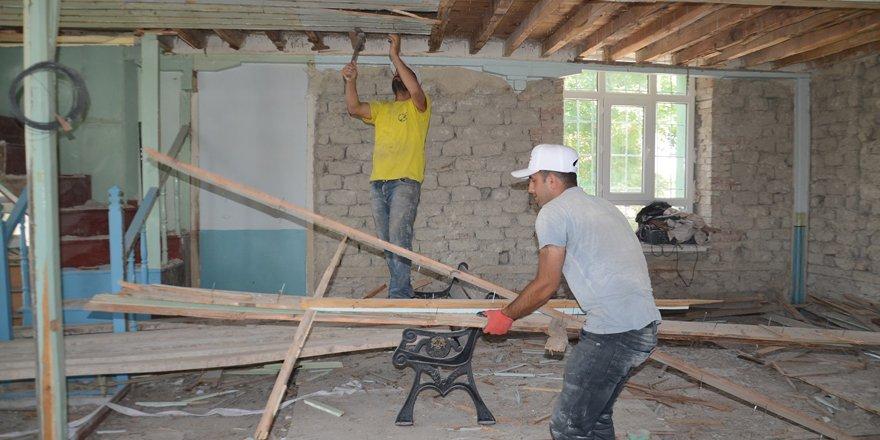 Ortakonak Cami restore ediliyor