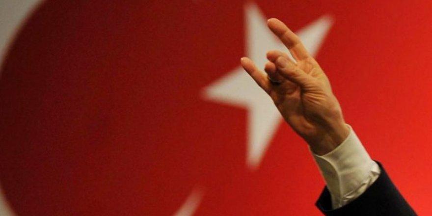 MHP'de Belediye Başkanı ile 301 üye istifa etti