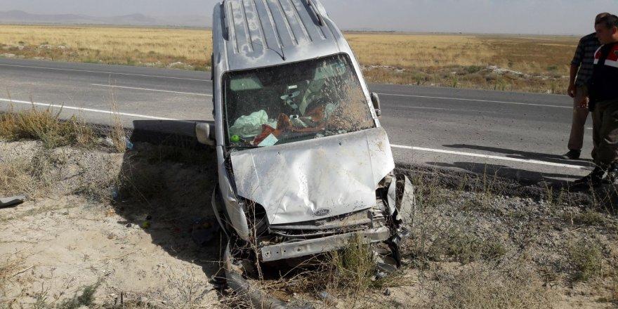 Yunak'ta trafik kazası: 2 yaralı