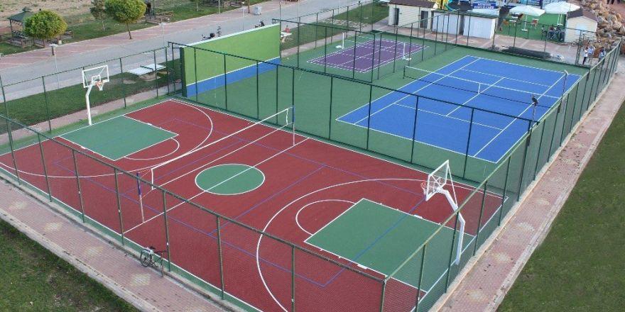 Beyşehir'in 27 mahallesine çok amaçlı spor sahası