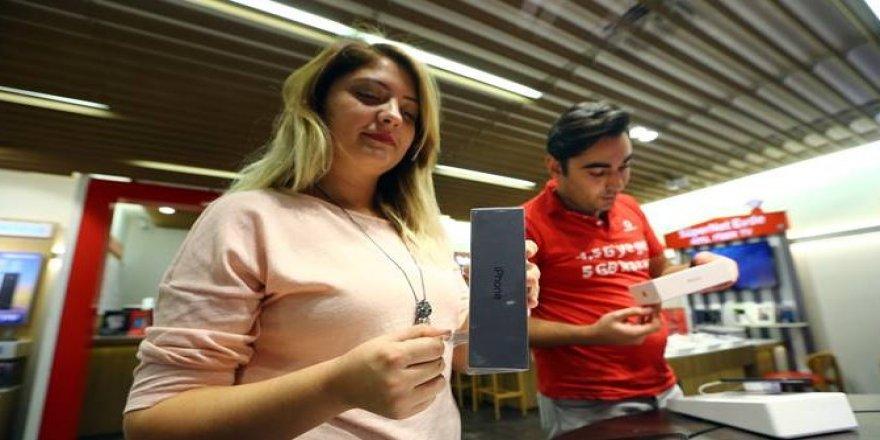 iPhone 8 Türkiye'de satışa çıktı