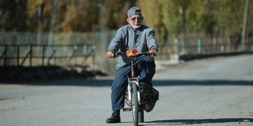 """""""Yedi bela Emin""""in 71 yıllık bisiklet tutkusu"""