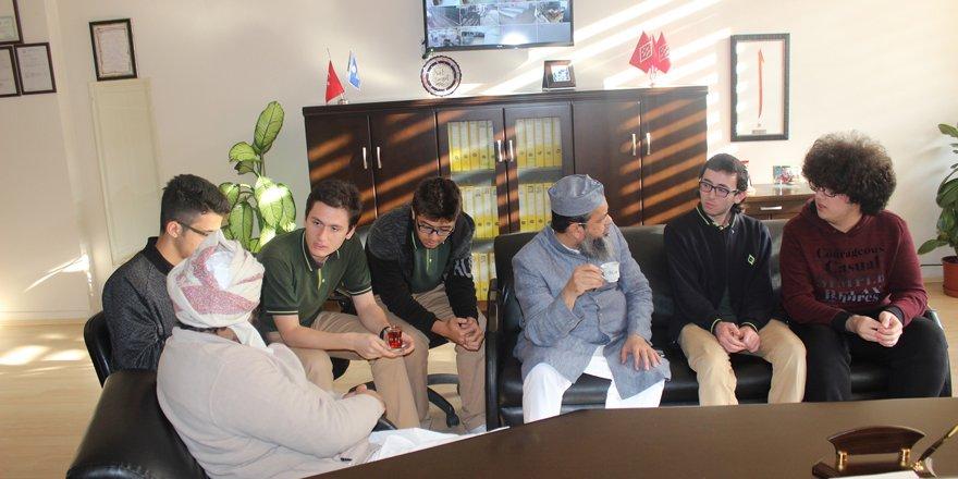 Prof. Dr. Arshi Khan Enderun'u ziyaret etti