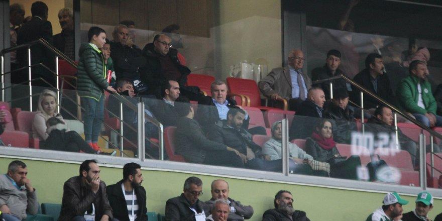 Ahmet Şan maçı locadan izledi