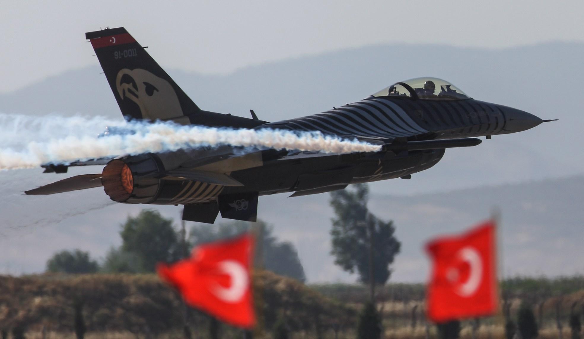 Solo Türk 25 Kasım'da Edirne'de