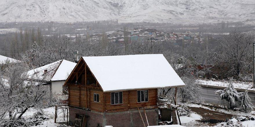 Halkapınar'da kar yağışı