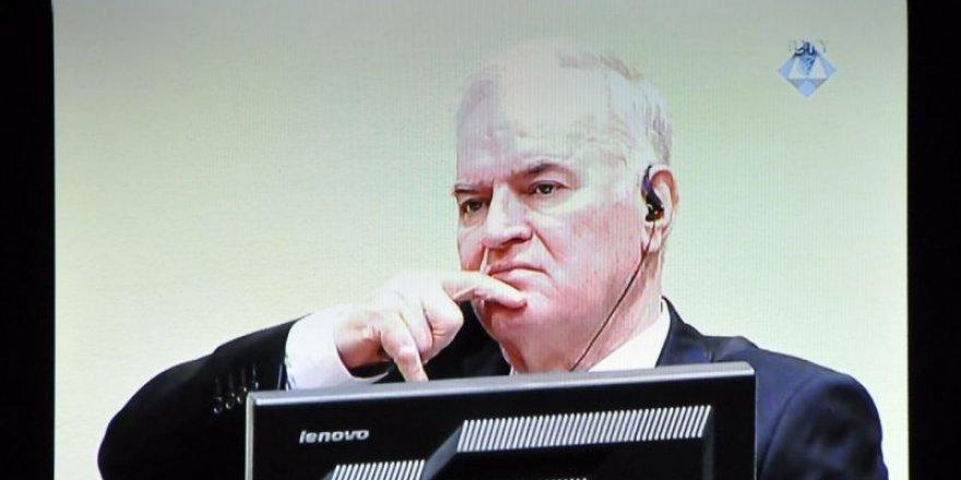 'Bosna Kasabı' Ratko Mladic'e müebbet hapis cezası