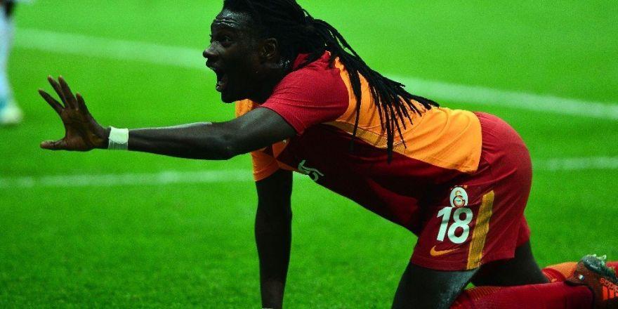 Galatasaray'da Gomis krizi