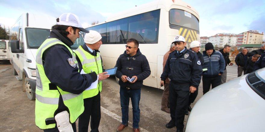 Beyşehir'de servis araçları ile taksilere denetim