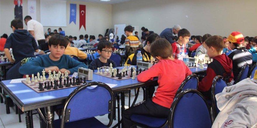 Satranç'ta küçük il birincileri belirlendi