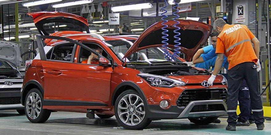 'Otomobil fiyatları yıl başına göre yüzde 25 arttı'