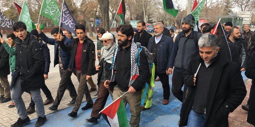 ABD'nin Kudüs kararına tepki için yürüyor