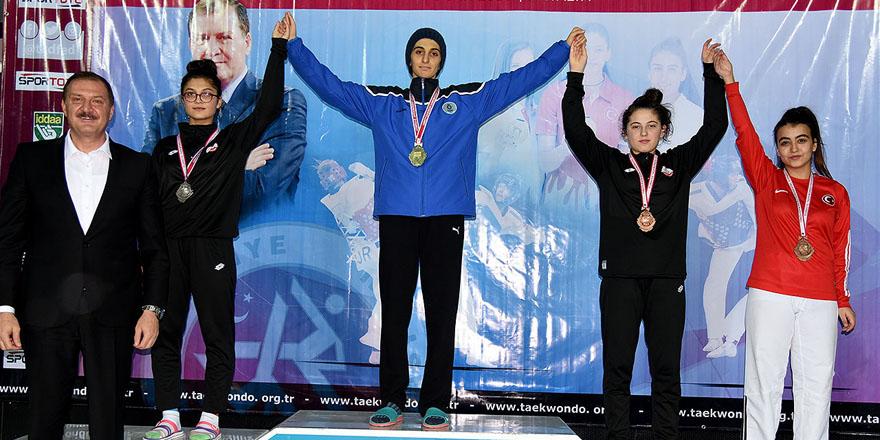 Selçuku Belediyespor'dan taekwondo'da altın madalya