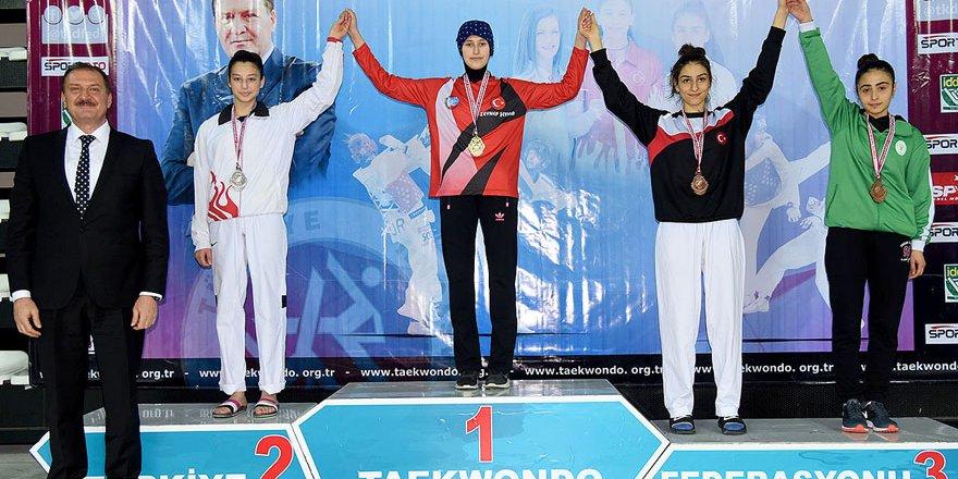 Meram Belediyesporlu Uysal Türkiye üçüncüsü