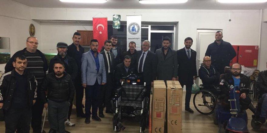 Ülkücülerden 3 adet tekerlekli sandalye