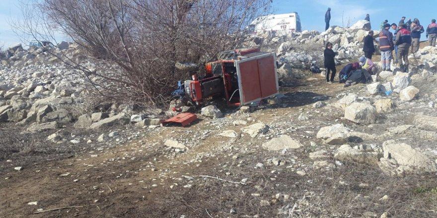 Ilgın'da traktör devrildi: 3 yaralı