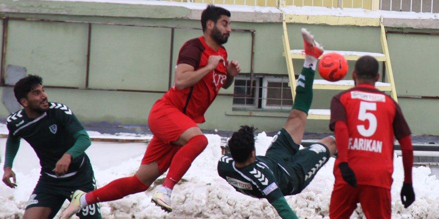 Güney: Biz futbol oynamaya çalışan bir kulübüz