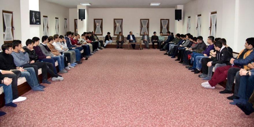 Başkan Altay, gençlerle buluştu