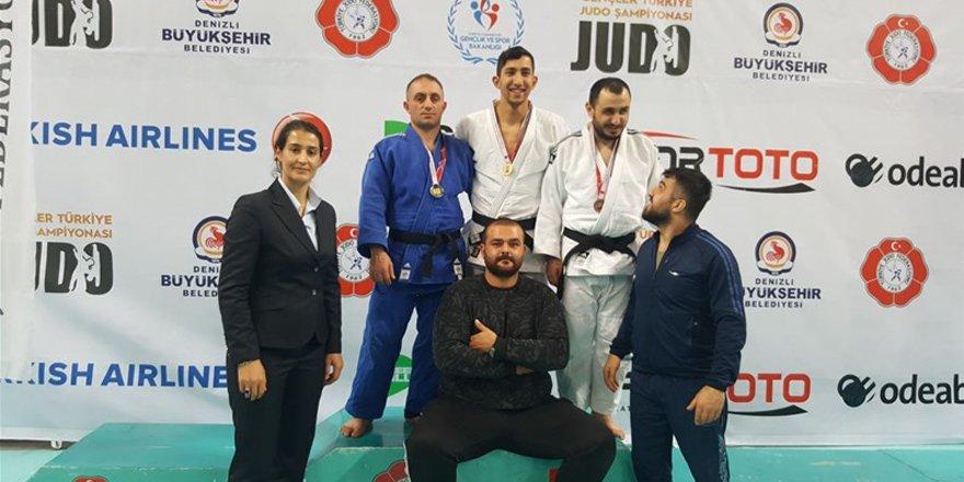 Görme engelliler judoda 2 altın 1 gümüş madalya